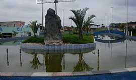 Minador do Negr�o - �gua Azul do Norte-PA-Monumento na pra�a central-Foto:Jandev�nia Melo