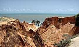 Beberibe - Falésias na Praia das Fontes em Beberibe-Foto:heberteguedes