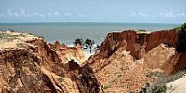 Falésias na Praia das Fontes em Beberibe-Foto:heberteguedes