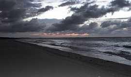 Bitupitá - Bitupitá-CE-Pôr do Sol na Praia de Bitupitá-Foto:Reginaldo Teixeira Gomes