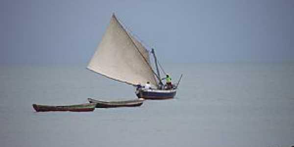 Bitupit�-CE-Pescadores na Praia de Bitupit�-Foto:Reginaldo Teixeira Gomes