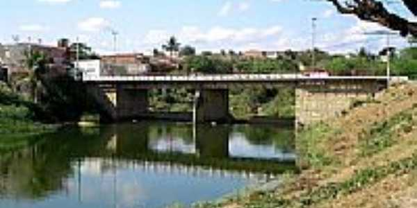 Ponte sobre o Rio Boa Viagem-Foto:Ivo Dias