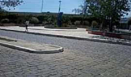 Campos Sales - Praça ao lado da Igreja-Foto:andreapl