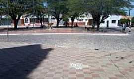 Campos Sales - Pra�a ao lado da Igreja-Foto:andreapl