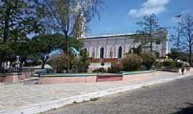 Campos Sales - Praça e lateral da Igreja de N.Sra.da Penha-Foto:andreapl