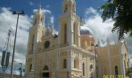 Canindé - Canindé-CE-Basílica de São Francisco das Chagas-Foto:Josue Marinho