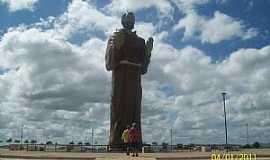 Canindé - Canindé-CE-Estátua de São Francisco das Chagas-Foto:Josue Marinho