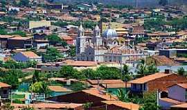 Canindé - Vista da Cidade de Canindé - a Basílica de São Francisco domina a paisagem - Foto www.cearaemfotos