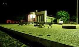Capistrano - Visão noturna do Fórum de Capistrano-CE-Foto:zenandre