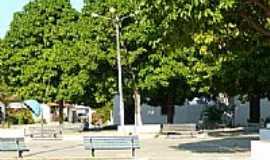 Caponga da Bernarda - Praça ao lado da Igreja-Foto:falourenco