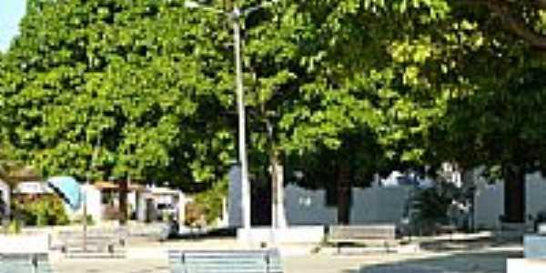Praça ao lado da Igreja-Foto:falourenco