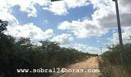 Caracará - Caracará-CE-Estrada do Distrito-Foto:blogdoamauryalencar