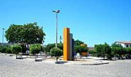 Caridade - Praça da Matriz por Ivo Dias