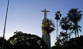 Crato - Crato-CE-Est�tua de Cristo na Pra�a Francisco de S�-Foto:professor_pepe