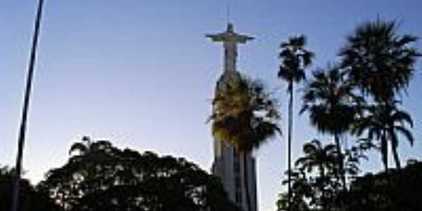 Crato-CE-Estátua de Cristo na Praça Francisco de Sá-Foto:professor_pepe