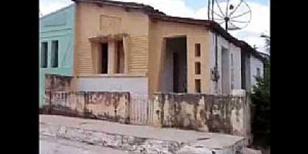 Ebron-CE-Casas antigas no Distrito-Foto: katia santos