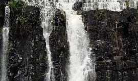 Engenho Velho - Engenho Velho-CE-Cachoeira no Distrito-Foto:panticola.