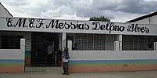 E.M.E.F.Messias Delfino Alves na localidade de São João em General Sampaio-Foto:nildo2012.blogspot.