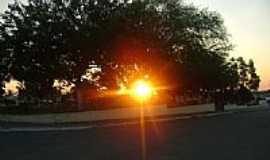 Groairas - Pôr do Sol na Praça da Matriz em Groairas por Álvaro Melo