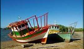 Icapuí - Barcos de pesca em Icapuí-Foto:nimra mhad