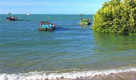 Icapuí - Icapuí-CE-Pequena Ilha na praia-Foto:nimra mhad