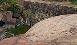 Ic� - Ic�-CE-Barragem de pedra de lajeiro-Foto:helio freire da silva