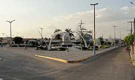 Iguatu - Iguatu-CE-Praça na entrada leste-Foto:Emilio Neto