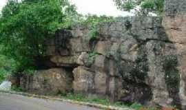 Ipu - Casa de Pedra, Por Luiz Carlos Timbó