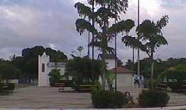Itaipaba - Itaipaba-CE-Praça e Igreja no centro-Foto:Facebook