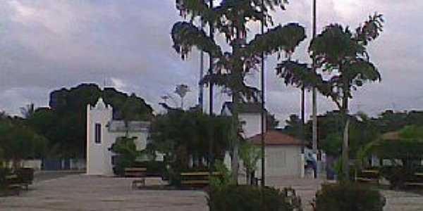 Itaipaba-CE-Praça e Igreja no centro-Foto:Facebook