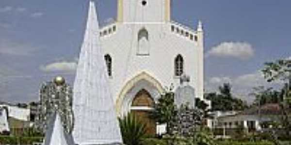 Praça e Igreja de Paulo Jacinto-Foto:Fleury Barros