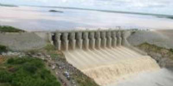 A Barragem  do Castanhão  -  Por Flávia Almeida
