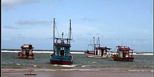 Piacabu�u-AL-Barcos na praia-Foto:gentiane73