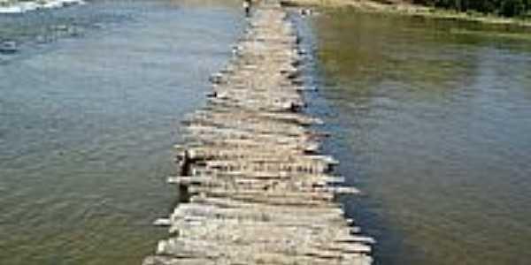 Ponte em Lagoa Grande-Foto:valdeizo