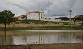 Marrecas - Marrecas-CE-Lagoa e a Igreja-Foto:Alex Caracas