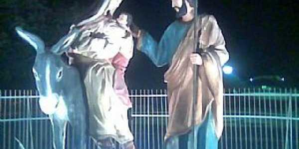 Marrecas-CE-Jesus,Maria e José na praça central-Foto:Alex Caracas