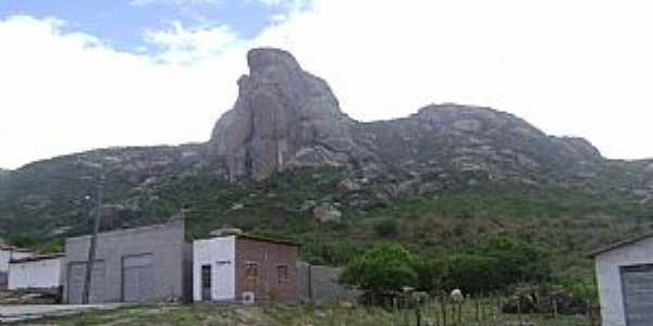 Milagres-CE-Grande pedra na Montanha-Foto:Fabricio e Fernanda