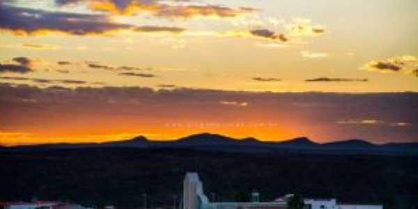 pôr do sol com vista para a igreja nossa senhora do perpétuo socorro, Por Erivan Júnior