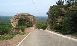 Monte Sion - Monte Sion-CE-Ladeira da Pedra Cortada-Foto:Rubens Mota