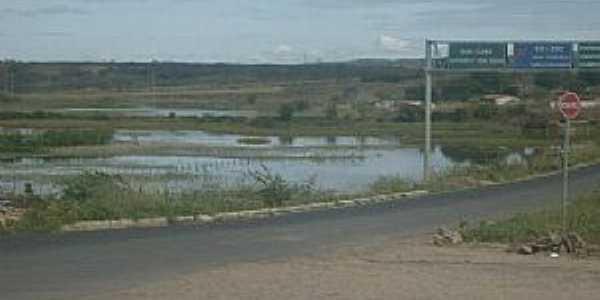 Nova Oinda-CE-Lago na entrada da cidade-Foto:RONALDO NUNES