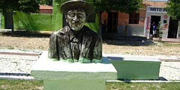 Nova Vida-CE-Busto do Sr.Alexandre Procópio Vieira, quem deu o nome ao Distrito-Foto:ibaretamamefazcrescer.