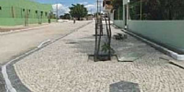 Ocara-CE-Avenida da cidade-Foto:iciocara.