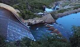Orós - Vista do Sangradouro e Válvula do Açude de Orós-Foto:Zemakila