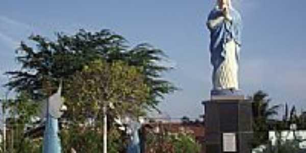 Imagem de N.Sra.na praça de Palhano-Foto:Jairo SilaS