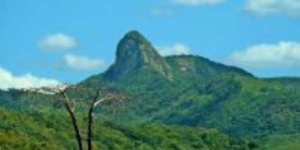 Pedra do Bacamarte, Por Mateus Andrade da Rocha Farias