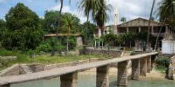 Ponte que leva à casa de pedras, Por Maria
