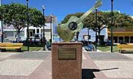 Pedra Branca - Pedra Branca-CE-Monumento à Leonardo Mota-Foto:MACÍLIO GOMES
