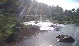 Santa Efigênia - Raios de Sol no Rio Paraíba em Santa Efigênia-Foto:jorivaldo