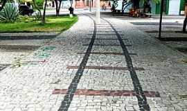 Quixeramobim - Quixeramobim-CE-Trilha em pedra do que foi a Via Férrea -Foto:MACÍLIO GOMES