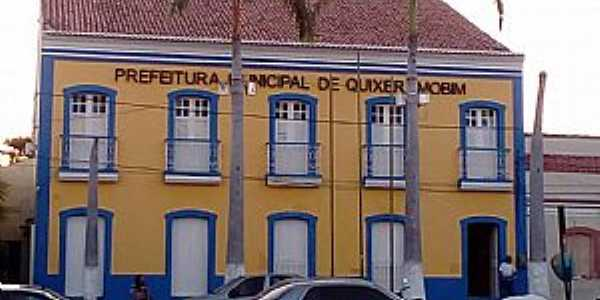 Quixeramobim-CE-Prefeitura Municipal-Foto:Lucia Gonçalves-Facebbook